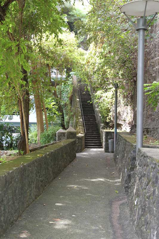 L'escalier Tiquat'sous, au bas de la rivière